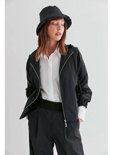 Vitrin VİTRİN Kapşonlu Önden Fermuarlı Ceket Siyah